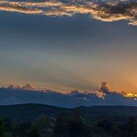 Закат в горах :: vladimir