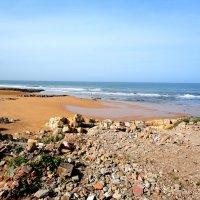Пляж, очень дикий...Касабланка :: Александр Облещенко