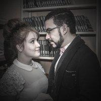 Познакомились в библиотеке. :: Александр Лейкум