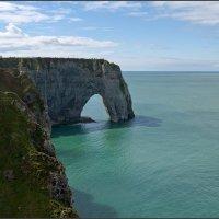 Утес La Falaise d;Aval, Этрета, Нормандия :: Lmark