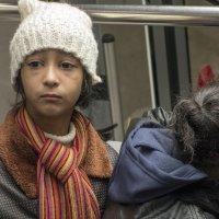 Девочки-саудитки в тбилисском фуникулёре :: Алексей Окунеев