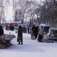 Воскресная ярмарка в селе :: Александр Скамо