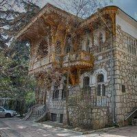 один из старых домов Ялты :: Николай Ковтун