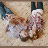 Кира и ее семья :: Лера Динабург