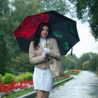 Девушка с зонтом :: John Afanasyev