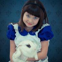 Алиса и крлик. 3 :: Елена Оберник