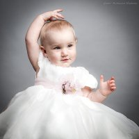 Кира танцует :: Наталия Иванова