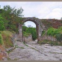 Каменные ворота... :: Андрей Медведев