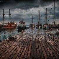 Пирс в Пафосе. После грозы. :: Виктор Перякин