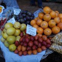 Фрукты на рынке Мадейры :: Natalia Harries