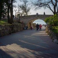 Мост влюбленных на Приморском бульваре Севастополя :: Александр Гапоненко