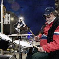 Ночной барабанщик :: Валерий Кабаков