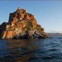 Вид Мыса Бурхан с воды :: Наталия Григорьева