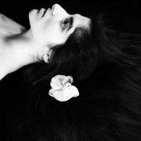 автопортрет :: Лолита Ташпулатова