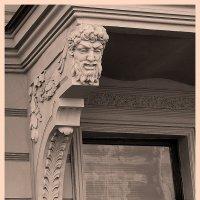 Каменный житель Петербурга :: сергей адольфович
