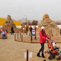 Выставка скульптур из песка :: Владимир Болдырев