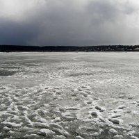 Налетает снеговой заряд. :: val-isaew2010 Валерий Исаев