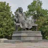 Орёл. Памятник Лескову :: Алексей Шаповалов Стерх