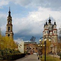 Калуга. Архитектурный памятник в стиле барокко - церковь Космы и Дамиана,1794 г. :: Тамара Бучарская