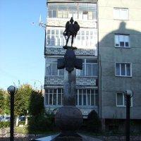 Памятник  погибшим  милиционерам  в  Ивано - Франковске :: Андрей  Васильевич Коляскин