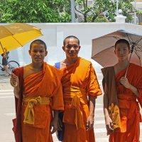 Лаос. Вьентьян. Монахи (1) :: Владимир Шибинский