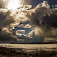 там где тьма стоит у света :: Александр Журавлёв