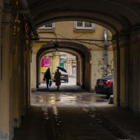 Под арками Санкт-Петербурга :: Valeriy Piterskiy