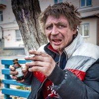 Хряпнул, крякнул и памиром закусил... (Вл. Шандриков) :: Сергей Смоляков