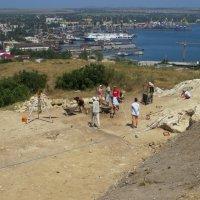 Раскопки на горе Митридат. Керчь :: Вера Щукина