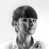 Девушка в белом...4. :: Андрей Войцехов