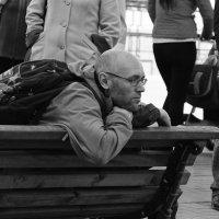 Слушая уличного поэта :: Александр Степовой