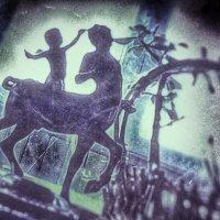 ..истории, бродящие по закоулкам дома :: Ирина Сивовол