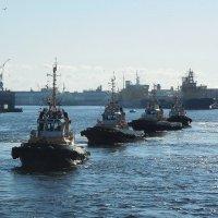 Ледокольные буксиры исполняют морской вальс :: Елена Павлова (Смолова)