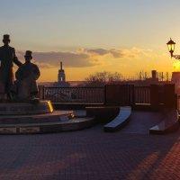 Вечер на площади оружейников :: Владимир Максимов