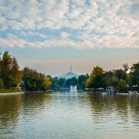 Осенний парк, вечером. :: Vassiliy Lakhmotkin