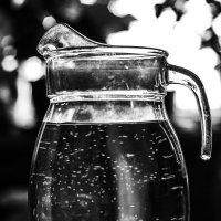 Кувшин с водой :: Михаил Вандич
