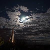 Луна :: Ирина Остроухова