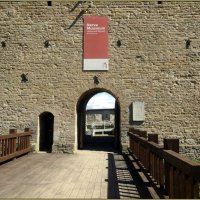 Вход в Нарвский замок :: Вера
