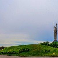 """Монумент """"Родина-мать"""". Киев. :: Elena Izotova"""