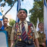 Парад Победы в Хайфе :: Евгений Якубсон