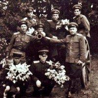 Мой отец, прошедший войну от звонка до звонка, расписавшийся на рейхстаге 2 мая 1945 года! :: Нина Корешкова