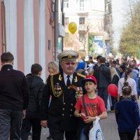 Дед и внук. :: Александр Ломов