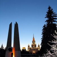 Памятник студентам и преподавателям МГУ погибшим за Родину :: Александр Rehc