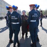 МЧС и блокадница :: Вера Щукина