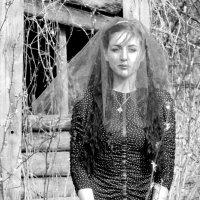 Scary Bride :: Maggie Aidan
