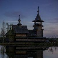 Деревянный храм :: Виктор Васильев