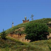Видишь, там на горе,  возвышается крест..... :: Игорь Сикорский