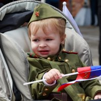 Их прадеды отстояли мир! :: Николай Николенко