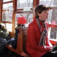 Воспоминания в старом трамвае :: Людмила Быстрова