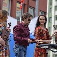 Выступление музыкальных коллективов в День Победы :: cfysx